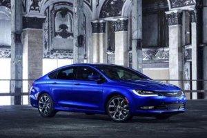 Chrysler 200 | Walka z Toyotą