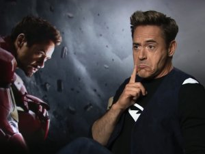 Robert Downey Jr i Mini Thor