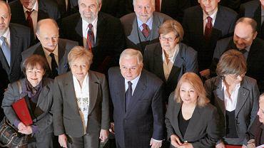 Narodową Radę Rozwoju pierwszy powołał prezydent Lech Kaczyński. Na zdjęciu: inauguracja działalności NRR. Warszawa, 7 stycznia 2010 r.