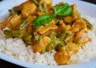 Curry z kurczakiem i fasolk� szparagow�