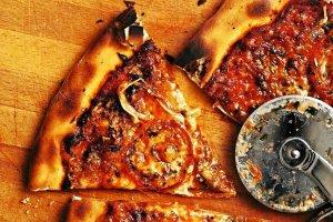 Domowa pizza smakuje najlepiej!