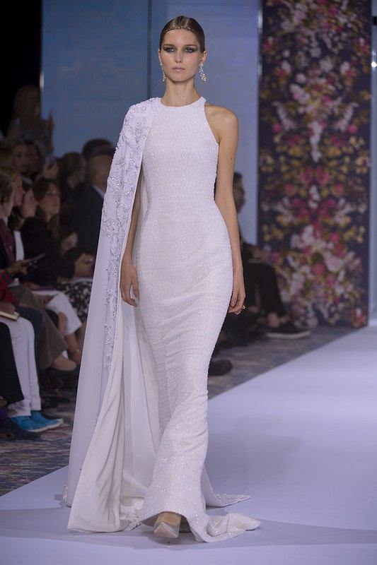13 Mniej Lub Bardziej Szalonych Pomysłów Na Suknie ślubne Z Pokazów