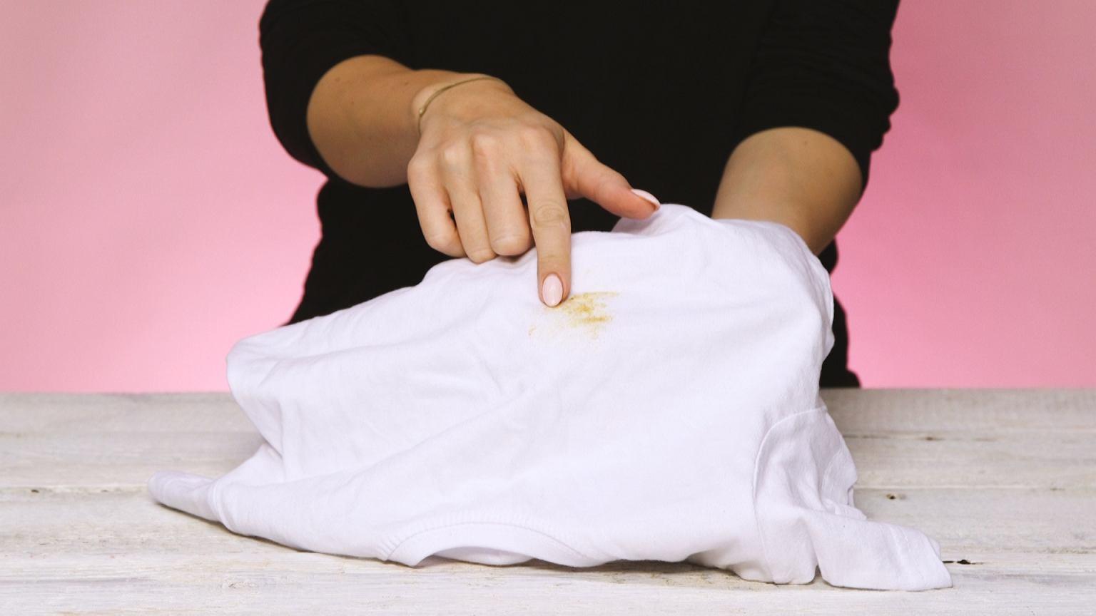 Znalezione obrazy dla zapytania tłuste plamy na ubraniu