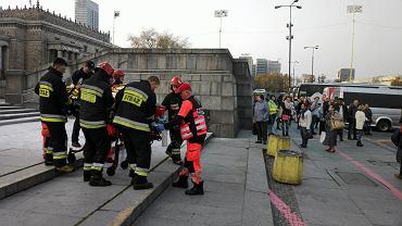 Mężczyzna podpalil sie na Placu Defilad pod Pałacem Kultury i Nauki