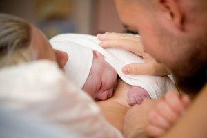 Naprotechnologia zastąpi in vitro. Czy dzięki temu urodzi się dużo dzieci?