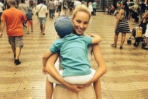 Weronika Ksi��kiewicz z synem