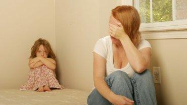 """""""(Matki) boją się, że złość zerwie lub zepsuje relację"""" - twierdzi Agnieszka Iwaszkiewicz"""