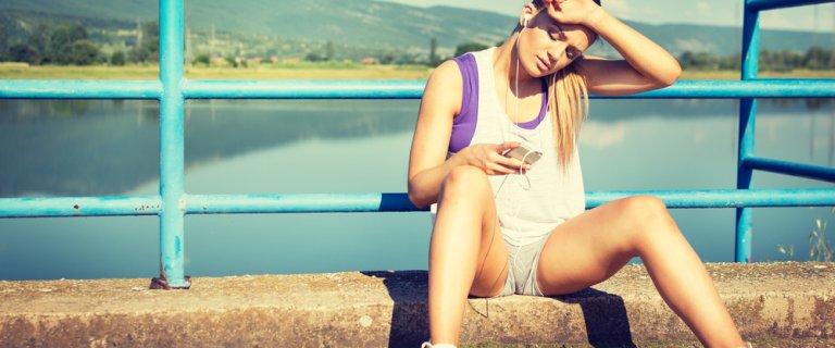 Zaczynasz biega�? Zobacz, jak nale�y robi� to poprawnie, unikn�� kontuzji i cieszy� si� sportem!