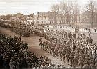 Nieznane zdj�cia z Cz�stochowy z 1945 roku: Alejami defilowali �o�nierze