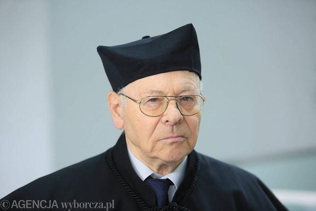 """Prof. Krzysztof Pomian otrzymał tytuł doktora honoris causa Uniwersytetu Łódzkiego. """"Niekwestionowany autorytet naukowy w skali europejskiej"""""""