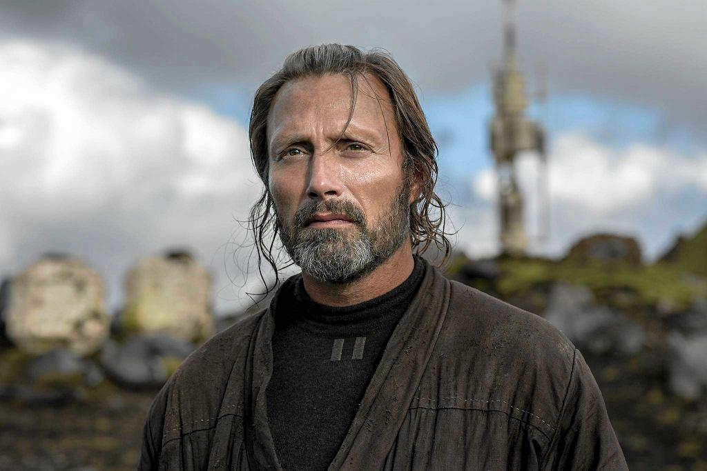 Galen Erso (Mads Mikkelsen) w filmie Łotr 1 - Gwiezdne Wojny / JONATHAN OLLEY