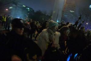 Nocne starcia pod Sejmem. Policja użyła siły