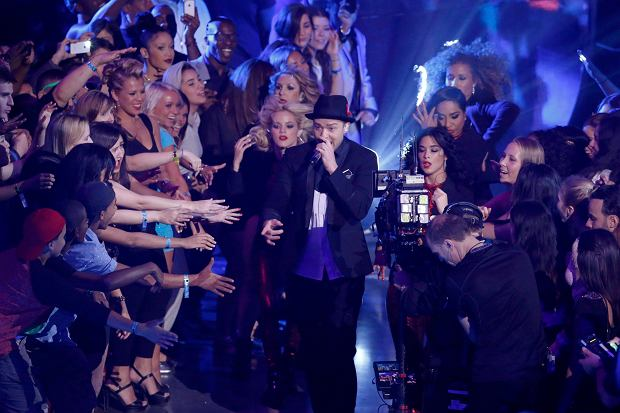Singer Justin Timberlake performs during the 2013 MTV Video Music Awards in New York August 25, 2013.   REUTERS/Lucas Jackson (UNITED STATES  - Tags: ENTERTAINMENT)  (MTV-SHOW)