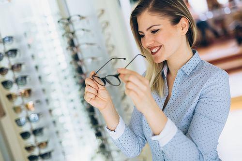 Wszystko co musisz wiedzieć o dobieraniu okularów