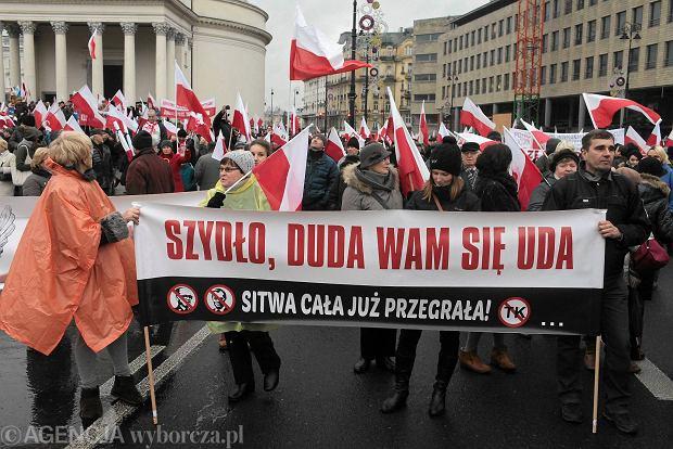 Marsz Wolno�ci i Solidarno�ci organizowany przez PiS