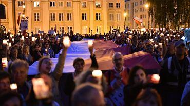 Manifestacja przed Sądem Najwyższym w Warszawie, 25 lipca 2017.