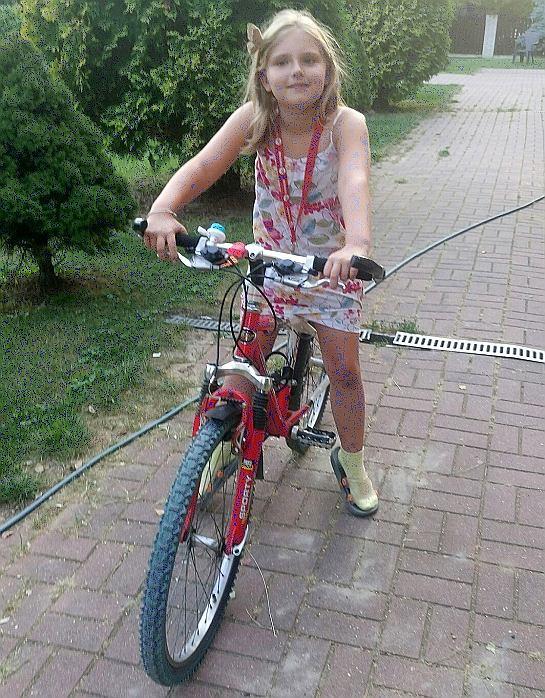 Maja na rowerze