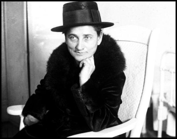 Ze śmiercią jej do twarzy: Tillie Klimek