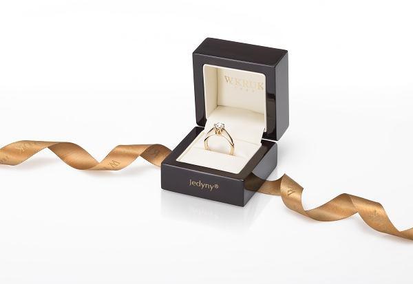 Najpiękniejsze Pierścionki Zaręczynowe Wkruk Symbol Miłości Na Zawsze