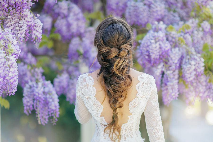 Fryzura na wesele długie włosy