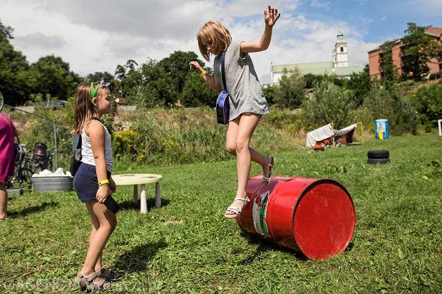 Otwarcie pierwszego w Polsce placu zabaw ' Rezerwat Dzikich Dzieci'