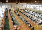 Egzamin gimnazjalny 2017. W kilku szkołach nie ma prądu, dyrektorzy przenoszą uczniów