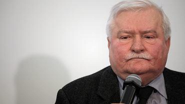 Lech Wałęsa podczas konferencji w IPN