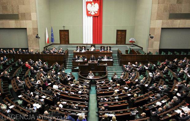 PO z�o�y�a w Sejmie projekt likwiduj�cy finansowanie partii z bud�etu