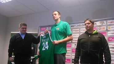 Jure Lalić, nowy koszykarz Stelmetu na swojej pierwszej konferencji w Zielonej Górze