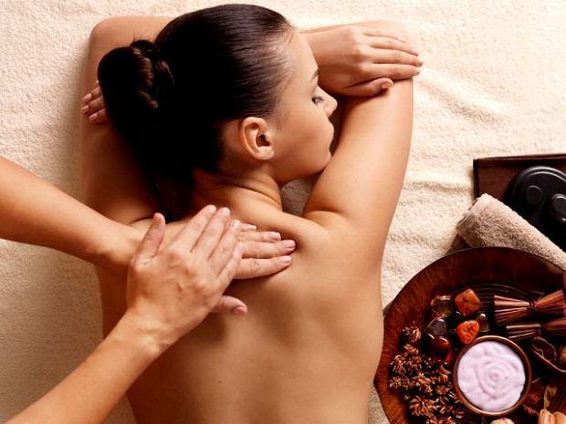 Bóle pleców - który masaż najskuteczniejszy?