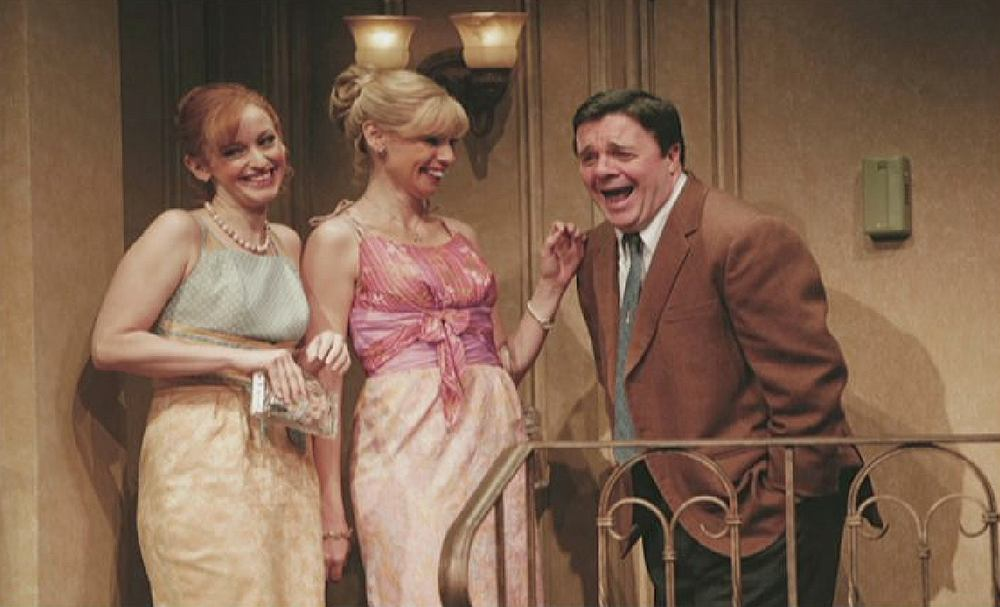 Olivia d'Abo in Broadway performance 'Odd couple' / photo courtesy of Olivia d'Abo 'title =' Olivia d'Abo in the Broadway show 'Odd couple')
