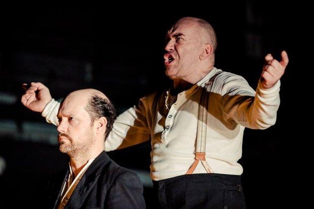Wstrz�saj�cy antywojenny manifest Luka Percevala w Gda�skim Teatrze Szekspirowskim
