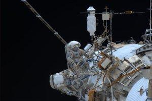 Rosjanie ustanowili rekord długości spaceru w otwartej przestrzeni kosmicznej