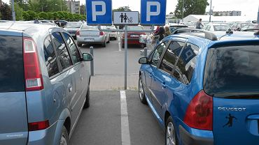 Parking supermarketu Kaufland