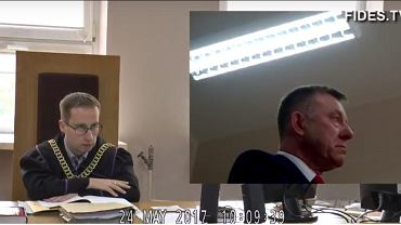 Wicewojewoda łódzki Karol Młynarczyk podczas procesu sądowego