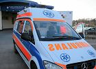 Karetka przez Szpitalnym Oddzia�em Ratunkowym USK przy ul. Borowskiej