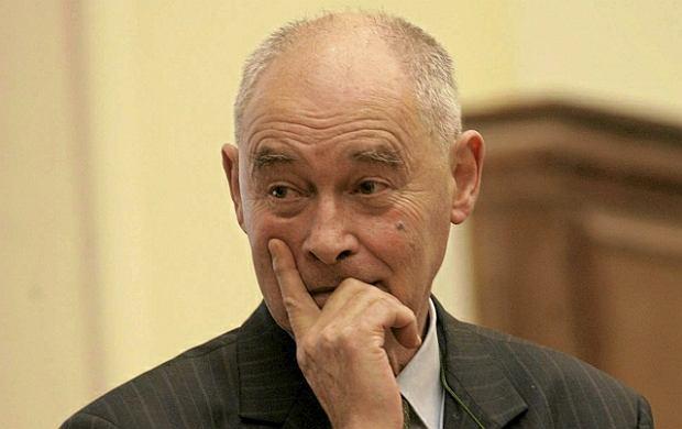 Prof. Marcin Kr�l