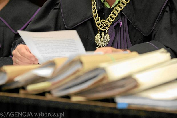 Prokurator: dyrektorka szko�y podrobi�a testy uczni�w. Na dodatek b��dnie