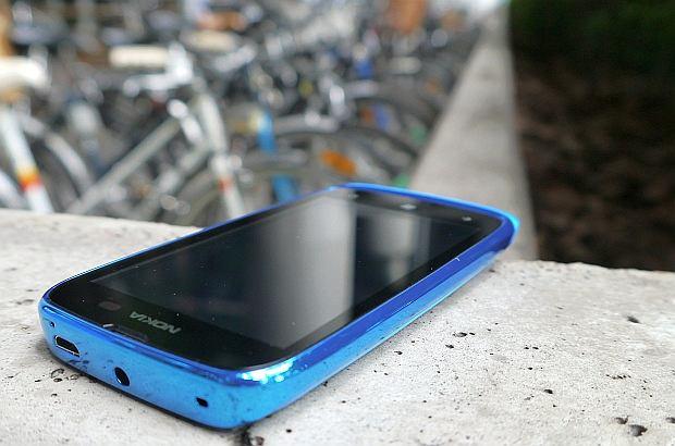 z11880536Q,Nokia-Lumia-610.jpg