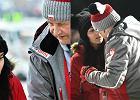 Apoloniusz Tajner na zawodach w Zakopanem z młodszą o 37 lat partnerką. Nie szczędzili sobie czułości