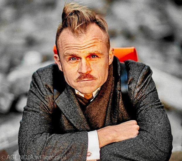 """5 stycznia do naszych kin trafi komedia """"Gotowi na wszystko. Exterminator"""", w której będziemy mogli zobaczyć m.in.: Pawła Domagałę czy Piotra Roguckiego, wokalistę zespołu rockowego Coma."""