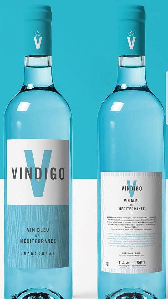 Pierwsze niebieskie wino z białych winogron już jest w sprzedaży - na razie tylko we Francji