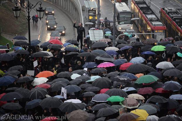 Nie sk�adamy parasolek. 24 pa�dziernika odb�dzie si� kolejna manifestacja kobiet