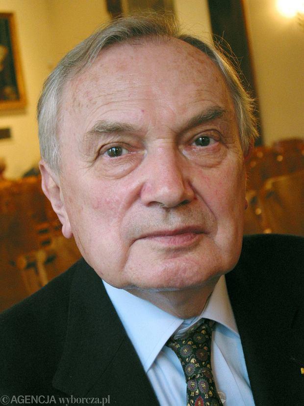 Prof. Jan M. Ciechanowski (16.04.1930 - 13.01.2016)