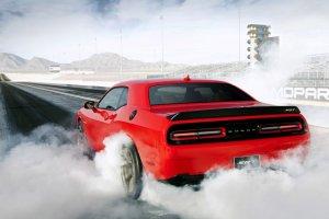 Fiat hamowa� rozw�j silnika Chryslera 6.2 V8 Hellcat