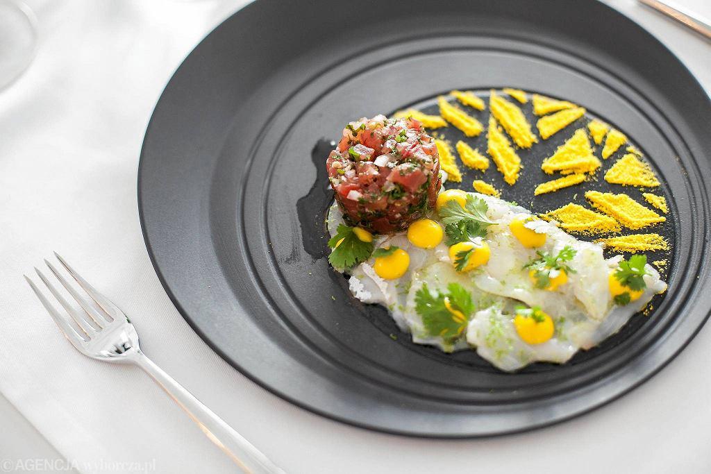 Ceviche z dorady w restauracji Genesis na placu Europejskim  / DAWID ŻUCHOWICZ