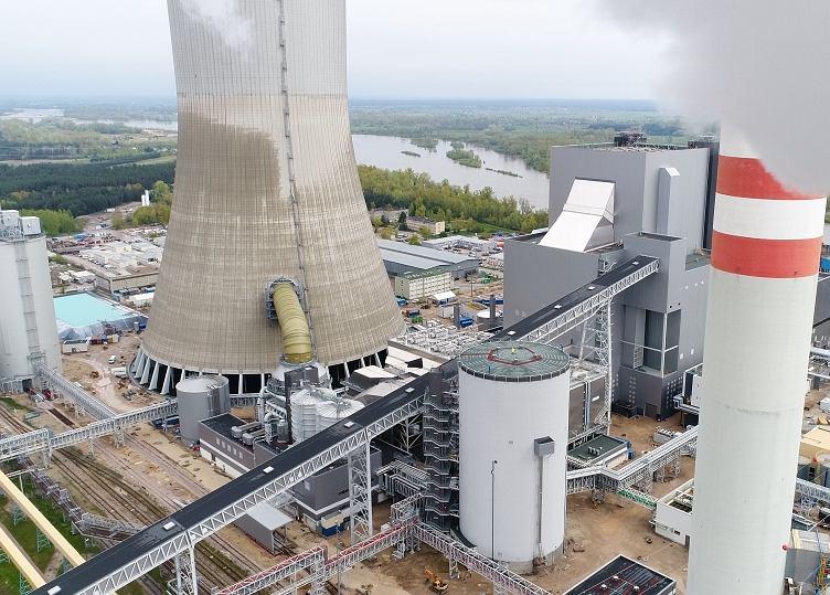 Kozienice. Największa elektrownia na węgiel kamienny w Polsce.W tym tygodniu jej właściciel, czyli grupa Enea przeprowadza testy nowego bloku