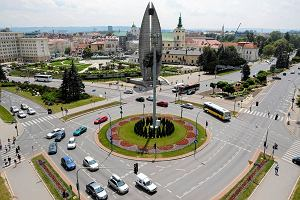 IPN: Słynny pomnik w Rzeszowie należy usunąć. Prezydent Tadeusz Ferenc chce go ratować