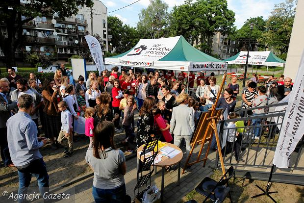 Zdjęcie numer 5 w galerii - Mieszkańcy tłumnie zawitali na piknik w sosnowieckim Domu Aniołów Stróżów [ZDJĘCIA]
