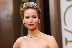 Fani wspieraj� Jennifer Lawrence. Na Twitterze pokazuj� swoje nagie zdj�cia